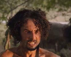 Afrânio é flagrado com Leonor e diz que vai se casar com ela