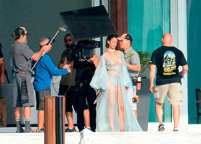 Rihanna nos bastidores do novo clipe