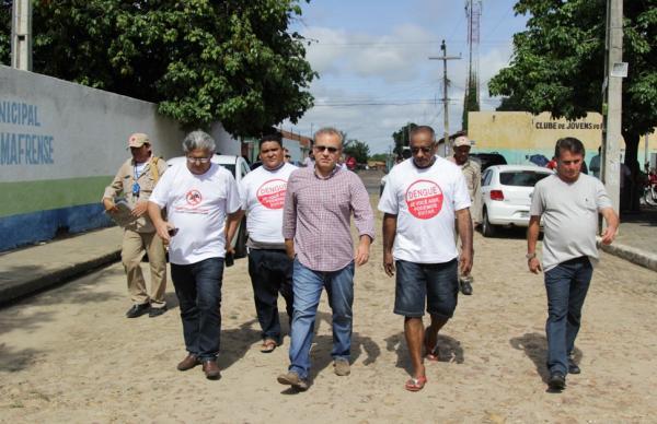 Firmino Filho participou de ação nos bairros