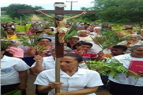 Procissão de Ramos marca início da Semana Santa em Hugo Napoleão