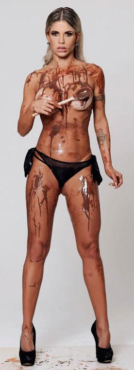 Cacau revela cuidados para mandar 'nudes': 'Tattoos identificam' (Crédito: Reprodução/Paparazzo)
