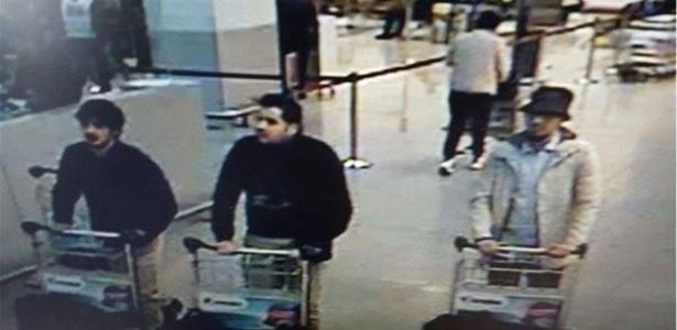 Polícia da Bélgica divulga imagem dos suspeitos (Crédito: Reprodução/ Twitter)