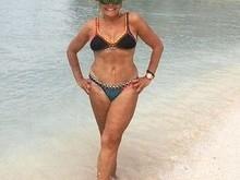 Aos 73 anos, Susana Vieira posta foto só de biquíni no Caribe