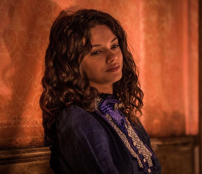 Leonor sofre com desprezo de Afranio