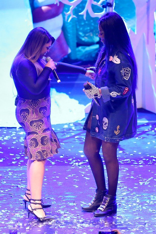 Ludmilla recebeu Preta Gil como particpação especial no show