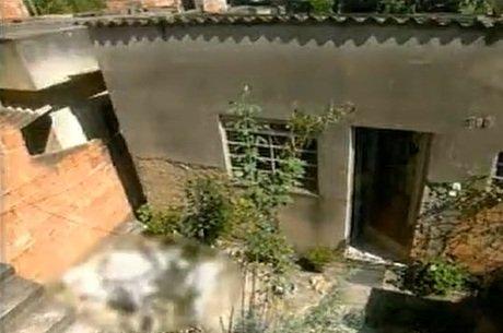 Corpo de Couto foi encontrado no quintal ao lado das pedras usadas no crime