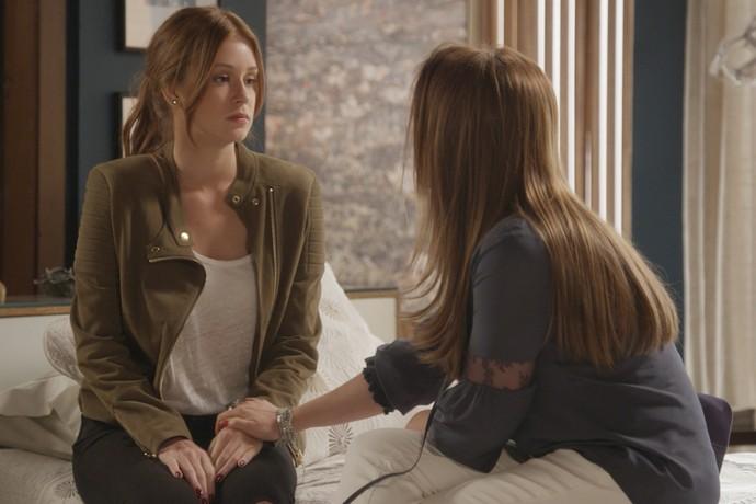 Lili vai até apartamento de Arthur e surpreende Gilda e Eliza (Crédito: Reprodução)