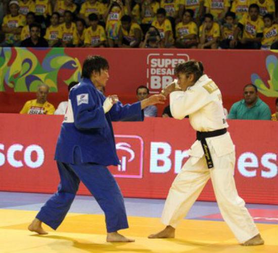 Sarah Menezes durante a luta contra Ganbaatar  (Crédito: Gaspar Nobrega/inovafoto)