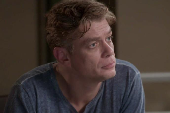 Arthur decide não contar sobre aposta para Eliza