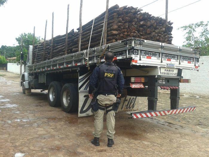 Carga apreendida pela Polícia Rodoviária Federal (PRF)