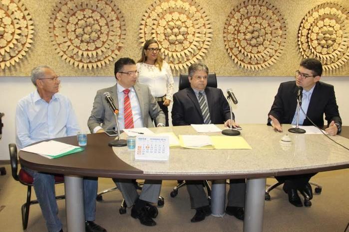 Reunião na Comissão de Infraestrutura da Assembleia Legislativa do Piauí