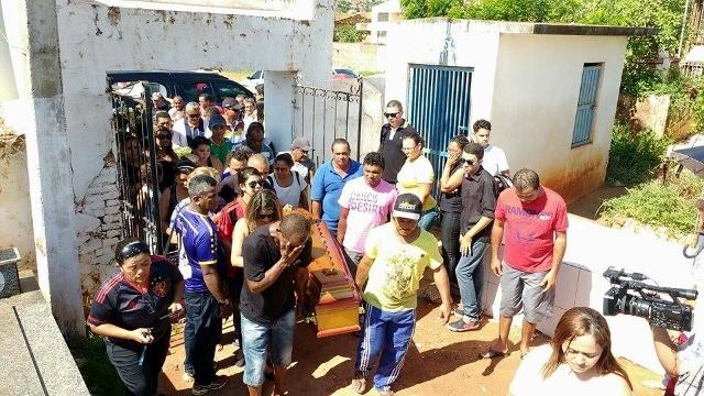 Leonardo foi enterrada na manhã desta quinta-feira em Picos