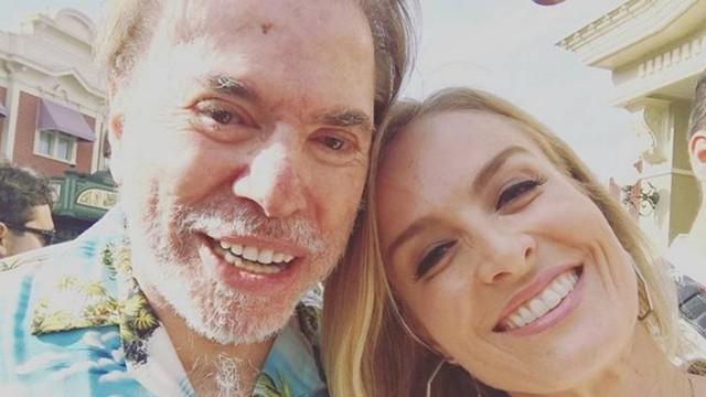 Durante férias, Silvio Santos posa para selfie com Angélica (Crédito: Reprodução)