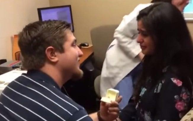 Pedido de casamento de Kevin para a namorada surda