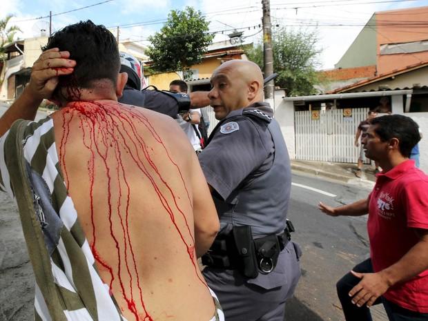 Manifestante foi detido (Crédito: G1)