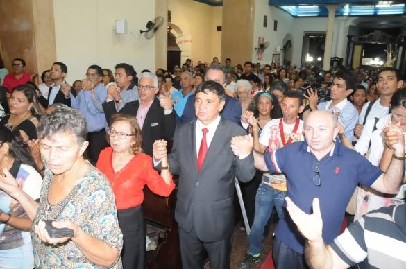 Wellington Dias com populares em Parnaíba