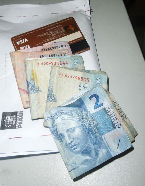 Dinheiro apreendido (Crédito: Portal do Catita )