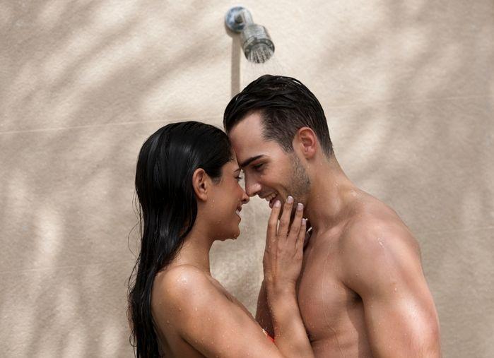 Experimentem um momento a dois no chuveiro, aproveitem para se acariciar