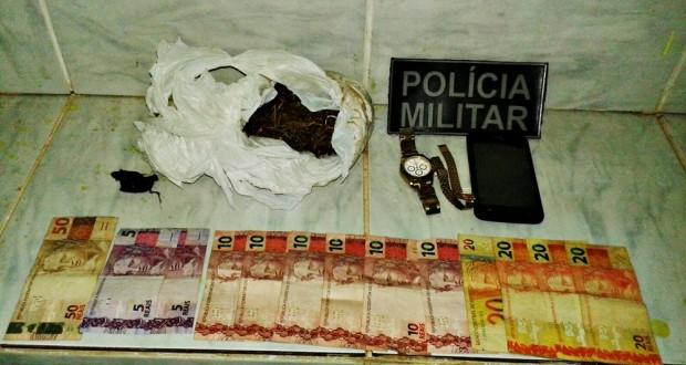Droga e dinheiro apreendidos com os três acusados em Marcolândia