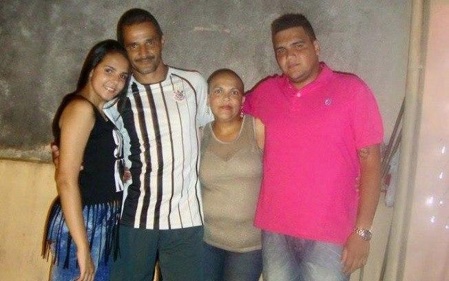 Ivonete Gomes com a família