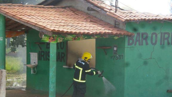 Bar pega fogo em Parnaíba (Crédito: Reprodução)