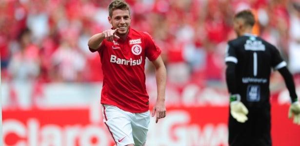 Aylon comemora gol do Internacional contra o São Paulo-RS, pelo Gauchão (Crédito: Ricardo Duarte)