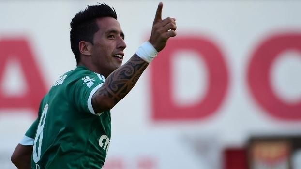 Lucas Barrios marcou o gol que selou a classificação palmeirense (Crédito: Gazzeta Press)