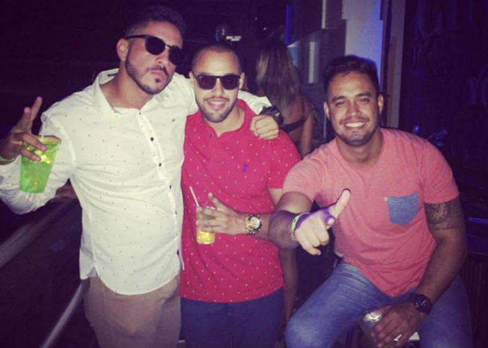 Henrique Muniz com grupo de amigos (Crédito: Reprodução/ Facebook )