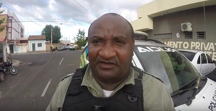 Policial realizou apreensão de acusado (Crédito: Reprodução/TV Meio Norte)