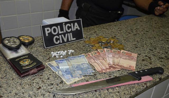 """Objetos e dinheiro apreendidos com Paulo Rodrigues da Silva, """"Bonier"""""""
