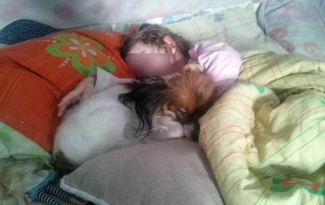 Crianças e animais viviam em ambiente caótico e imundo