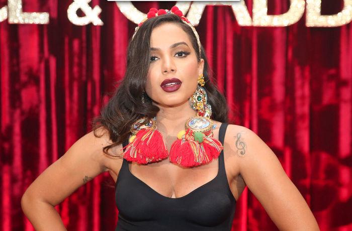 Famosas arrasam no look e se jogam ao som de Anitta (Crédito: Brasil News)