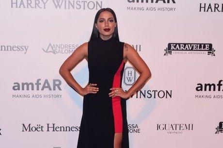 Anitta quis esclarecer polêmica com fã