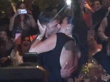 Empresária paga US$ 180 mil dólares por beijo de Ricky Martin;vídeo