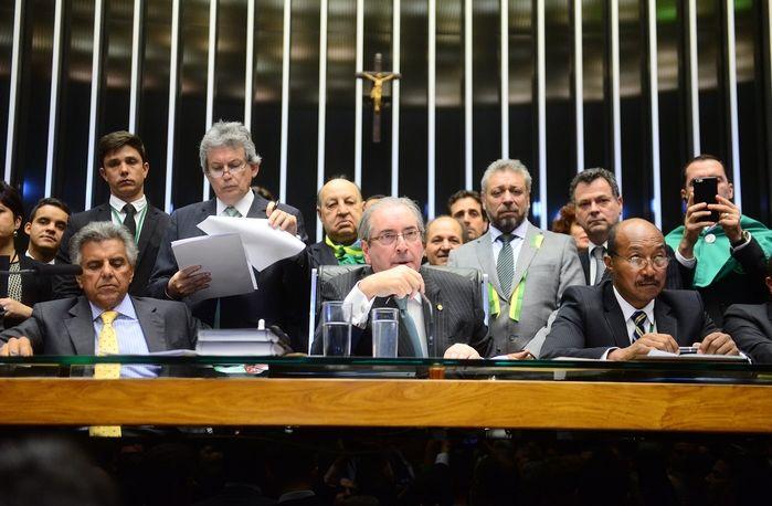 Eduardo Cunha comanda votação (Crédito: Nilson Bastian / Câmara dos Deputados)