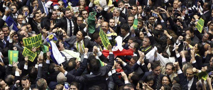 Câmara aprova abertura de impeachment de Dilma (Crédito: Agência Brasil )