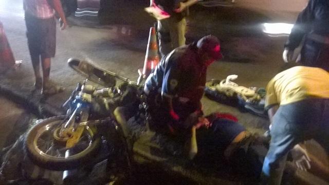 Motociclista gravemente ferido (Crédito: Reprodução)