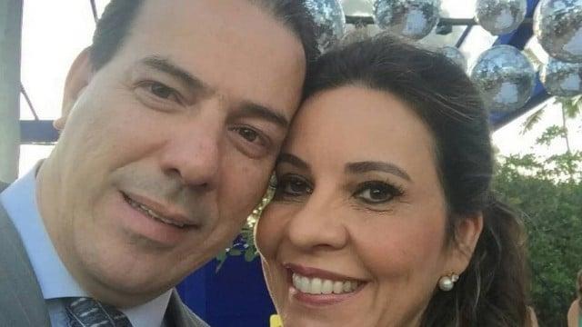 Ruy Muniz, prefeito de Montes Claros, ao lado da esposa, a deputada