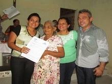 Prefeito Capote regulariza situação dos moradores do bairro Corujal