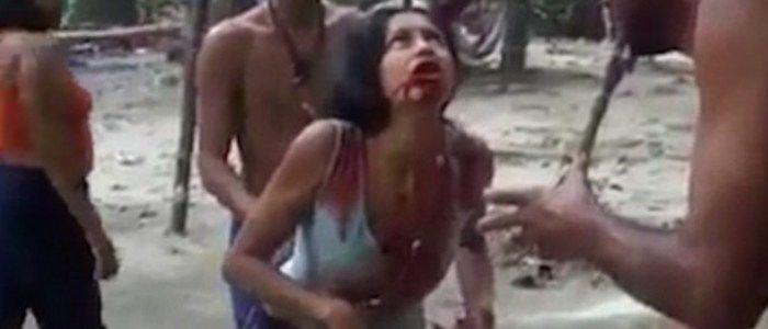 Vídeo mostra jovem vomitando sangue em ritual de exorcismo (Crédito: Reprodução)