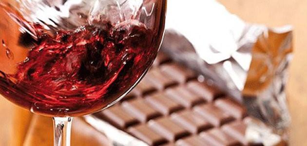 Cientistas afirmam que dieta a base de chocolate e vinho é saudável