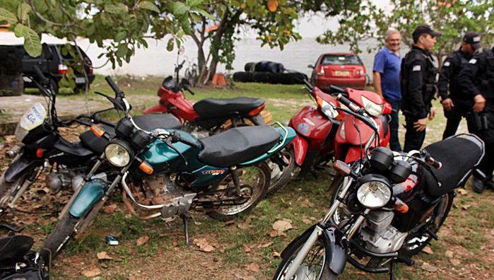 Veículos apreendidos em Piracuruca
