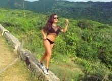 Fernanda Souza impressiona seguidores ao mostrar barriga sequinha
