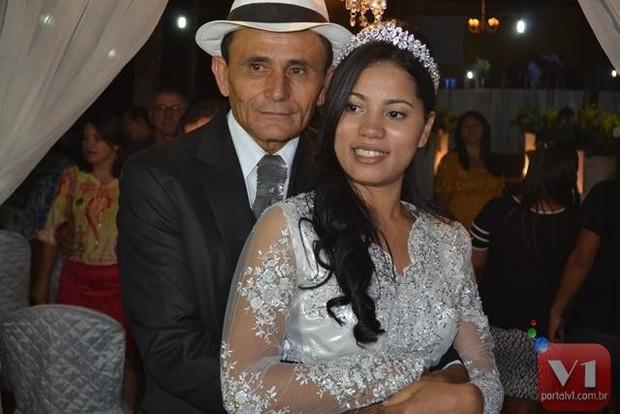 Stefhany e seu marido (Crédito: Portal V1)