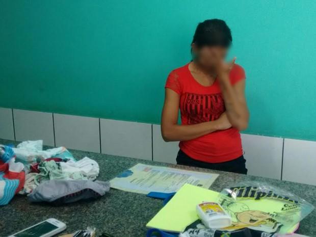 Mulher presa em flagrante (Crédito: Divulgação/Sinpoljuspi)