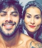Ex-BBB Renan está morando junto e já planeja casamento e filhos
