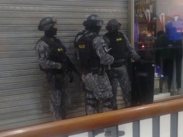 Policiais do Gate no Shopping Tucuruvi