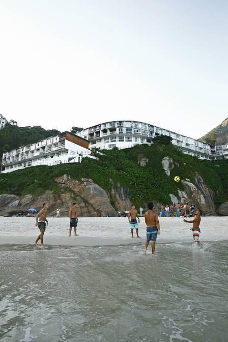 Famosos em praia do Rio de Janeiro (Crédito: Cristiana Silva)