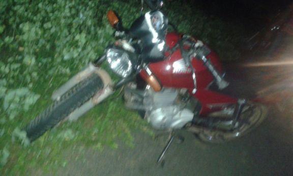 Moto envolvida em acidente (Crédito: Reprodução)