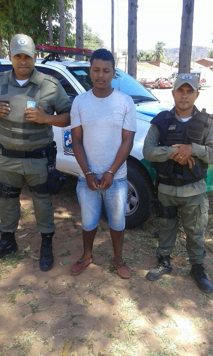 Prisão de acusado (Crédito: Divulgação PM)
